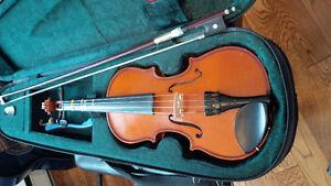 1/4 size Stentor fiddle
