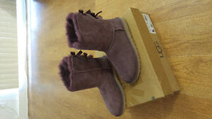 As New: UGG W Bailey Bow Boots