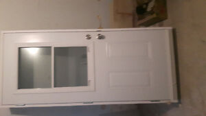 "34"" exterior door with frame, Handel and lock"