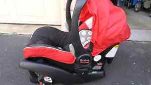 Britax Agile travel system, with car seat Kitchener / Waterloo Kitchener Area image 6