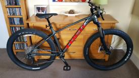 NEW Trek Mountain Bike M/L