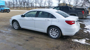 2014 chrysler 200 *heated seats* only 60km