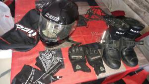 Casque, bottes et gants de moto a vendre
