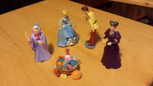 Cinderella Figurine Set and Carriage