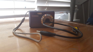 Samsung point and shoot camera es55