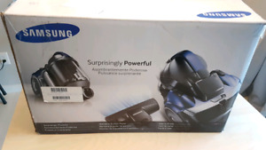 Samsung bagless vacuum new in box