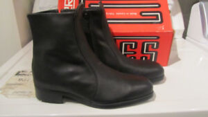 mens steel toe boots ( new in box)  $40 firm