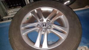 4 pneus avec jantes alu - Honda CRV 2014