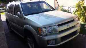 2001 Infiniti QX4 *Good candidate for shipping*