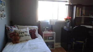 Room available in West end of Waterloo - Laurelwood/Clair Hills