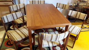 Vintage Danish Teak Dining Table & 6 chairs