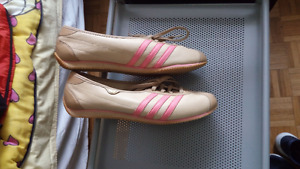 Adidas womens shoes Brand New Size 8 1/2