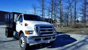 2011 Ford F-750 Coupe (2 door)
