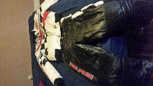 Mens medium Polaris snow mobile suit