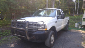 Camion - Ford F250 2004 - 5.4 litres