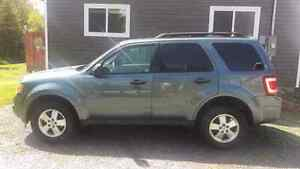 2011 Ford Escape, Manual Transmission, with hitch receiver