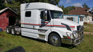 Great Deal!! - 2013 Volvo semi for sale!!