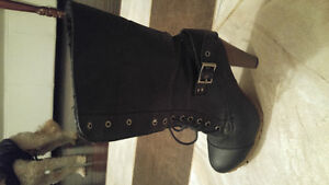 Almost new leather boot