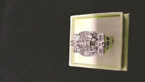 14K GOLD RING AND 1.5 CARATS DIAMONDS EXCELLENT QUALITY