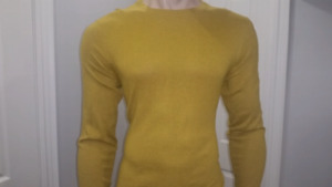 NWT - Men's Old Navy Crew Neck Mustard Yellow Sweater Size M