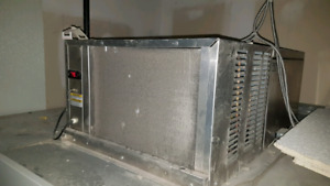 WALK IN FREEZER PENTHOUSE COMPRESSOR SYSTEM
