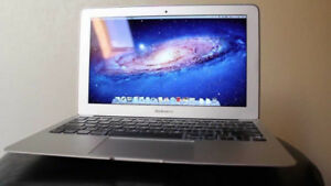 "Apple Macbook Air 11"" Seulement a 499$"