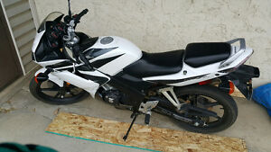 Honda cbr Sport Bike 125 Low kilometer Like new