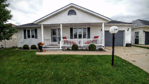BlueWater Country Immaculate 2 bedroom home Sarnia Sarnia Area image 1