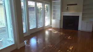 SUNNY, DELUXE 2-BEDROOM 1/2 DUPLEX AT THE BEACH ON PT. GREY RD!