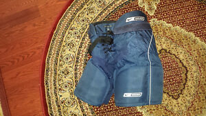 Nike Bauer junior hockey pants supreme 30 medium size