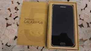 Samsung galaxy s5 unlocked in good condition