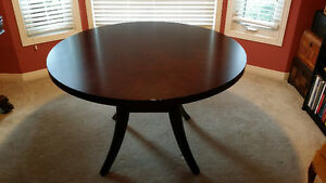 Round 4 foot Table