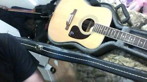 Epiphone 212 nat with hard case just needs new strings