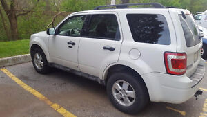 2009 Ford Escape XLT SUV, Crossover LEATHER ROOF AWD 4995.00