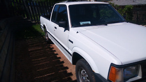 1991 Mazda B2200 for parts