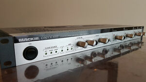 Mackie Onyx 400F / interface audio / preamp