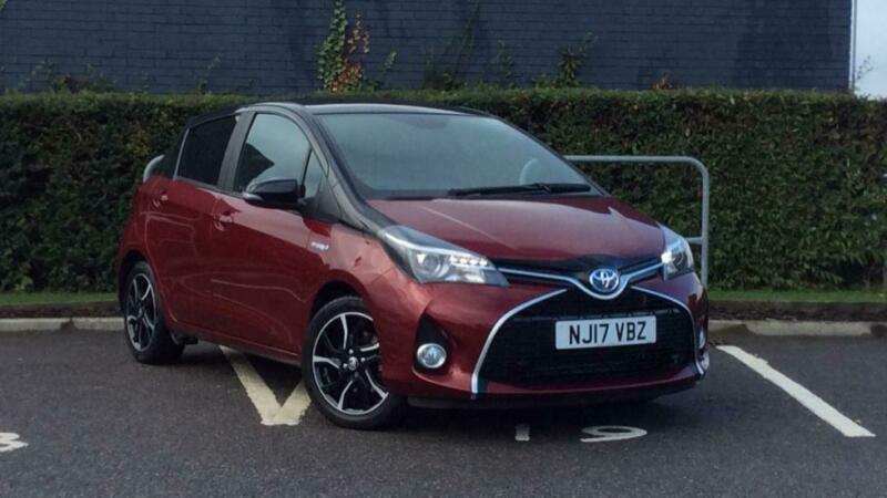 2017 Toyota Yaris 1.5 VVT-i Hybrid Design Red Bi-Tone 5-Dr - Sat Nav (Fitted) PE for sale  Durham, County Durham