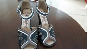 Size 36 Fly Girl women's wedge heels