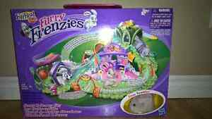 BNIB FurReal Friends Furry Frenzies City Center by  Hasbro