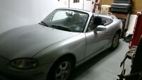 2000 Mazda MX-5 Miata Coupe (2 door)