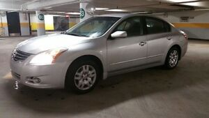 2010 Nissan Altima - 95,000KM -Excellent Condition