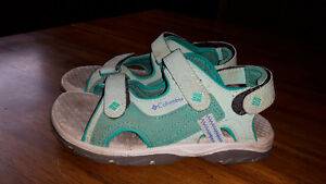 Columbia Sandals  ( Girls Size 3)