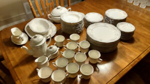 Noritake Rothchild 12 piece China set