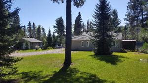 maison riverain sur lac taureau(chalet)