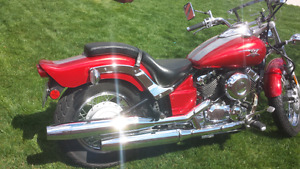 Yamaha V-STAR 650 (low mileage)