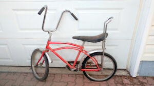 1970's Banana Seat Bike Canadian Tire Supercycle Cougar