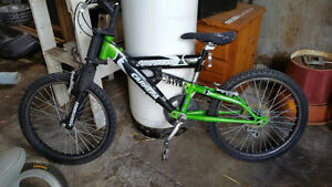 "Carrera Compressor 19"" boys bike Edmonton Edmonton Area image 1"