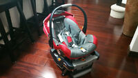 Mint condition: Chicco KeyFit 30 Baby car seat and base