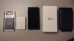 LG V20 (H915) - Like New - Lots of Extras