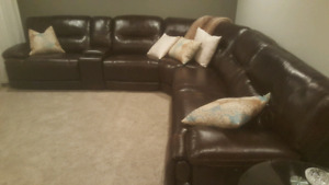 New 6pc real leather reclining power sectional